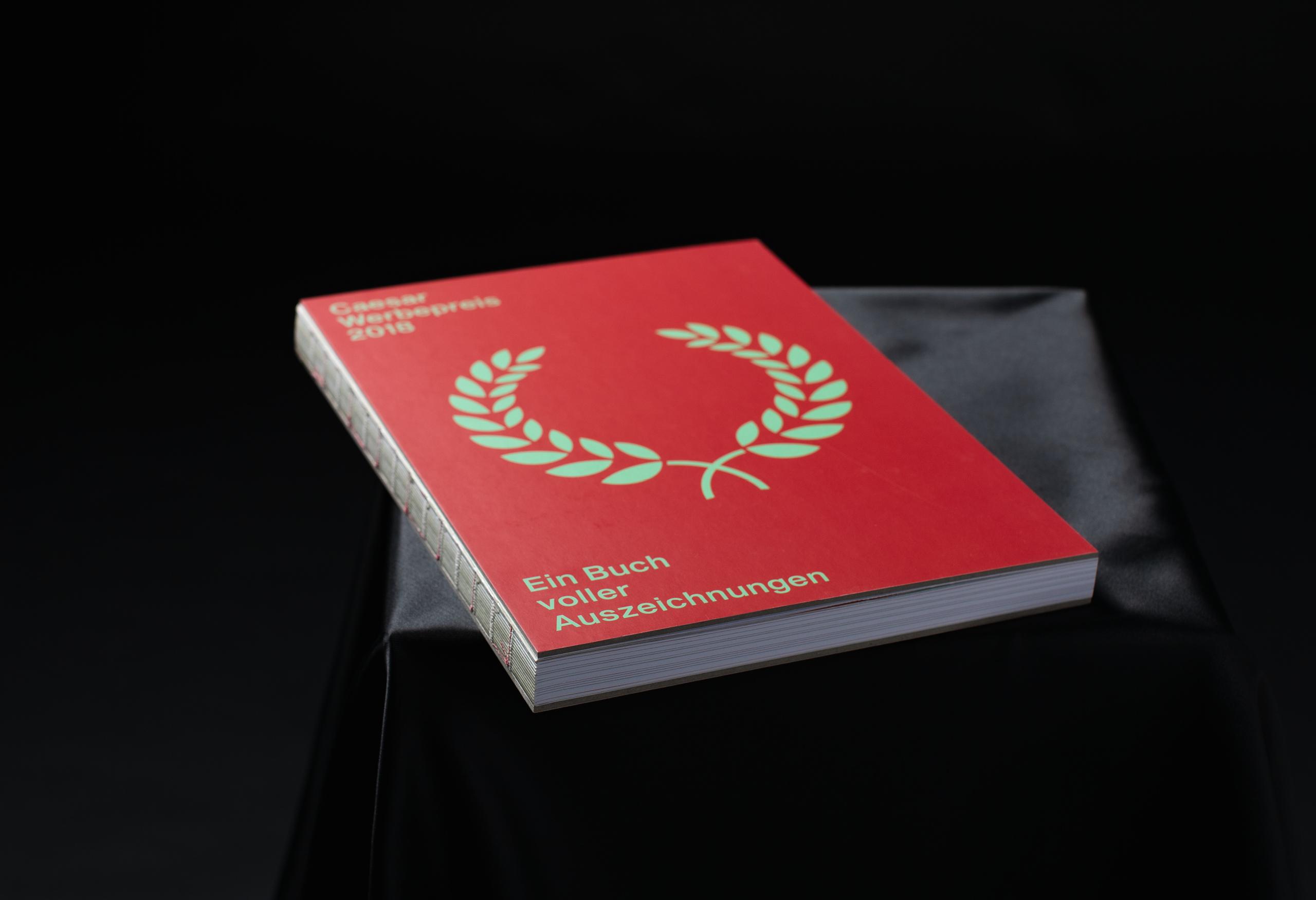 Caesar Buch