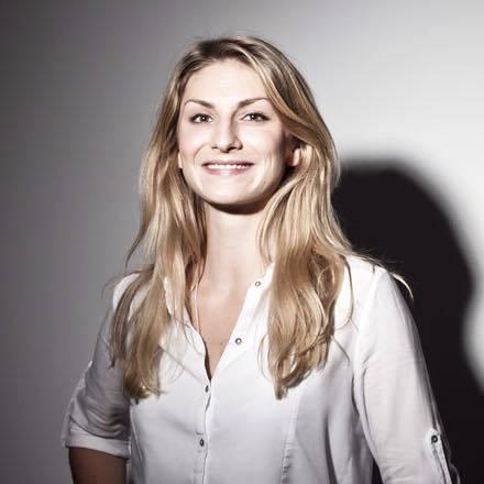 Nina Hackl
